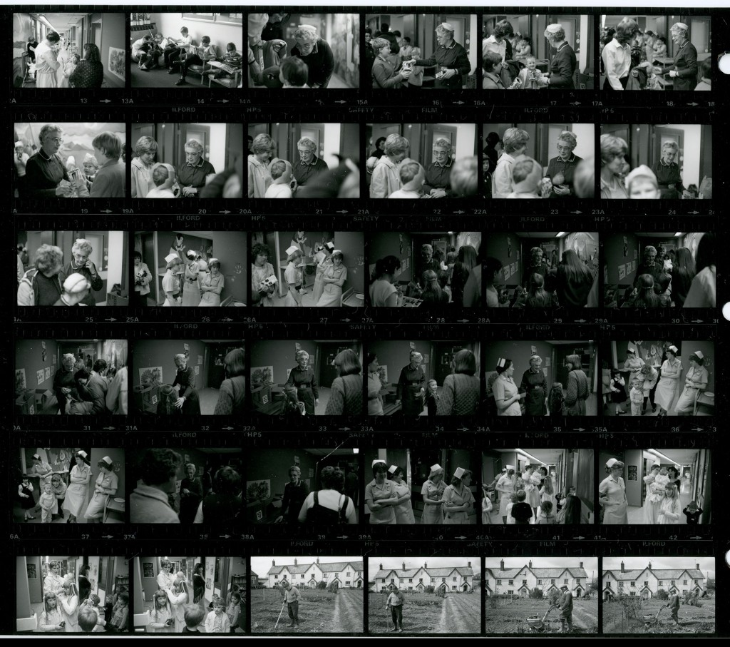 Contact Sheet 1642 by James Ravilious